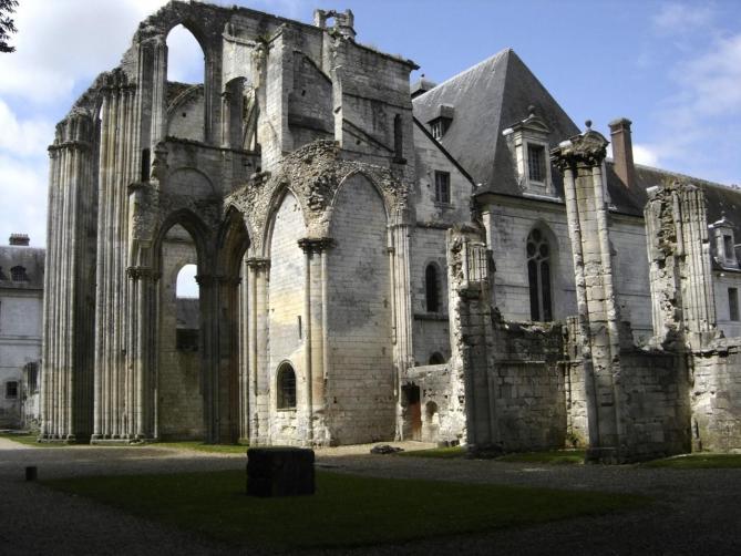 abbaye-de-fontenelle-a-saint-wandrille-rancon-seine-maritime-77 RUINS