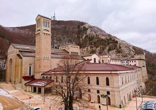 abbey Santuario-di-Montevergine-Come-Arrivare-Cosa-Fare-Dove-Mangiare