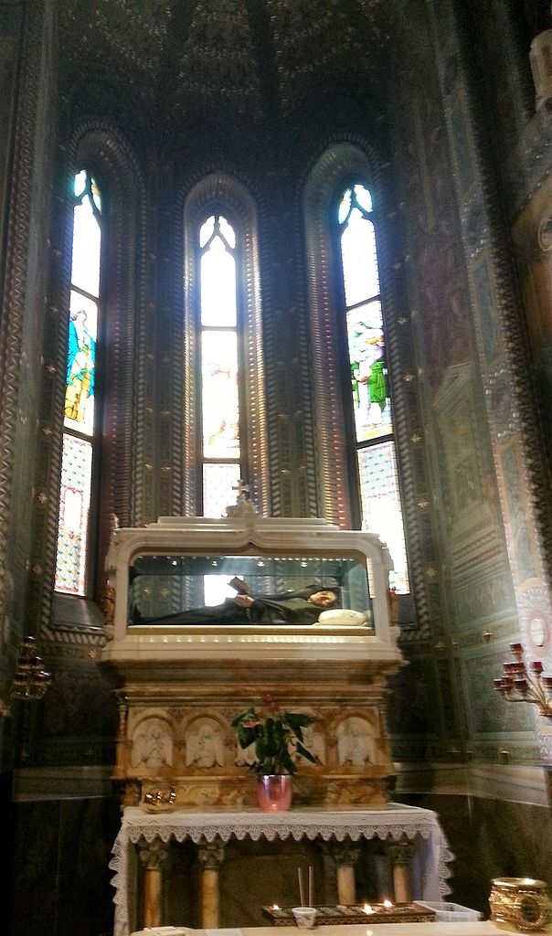 st Bartolomea_Capitanio-_santuario_delle_sante_Gerosa_e_Capitanio body tomb