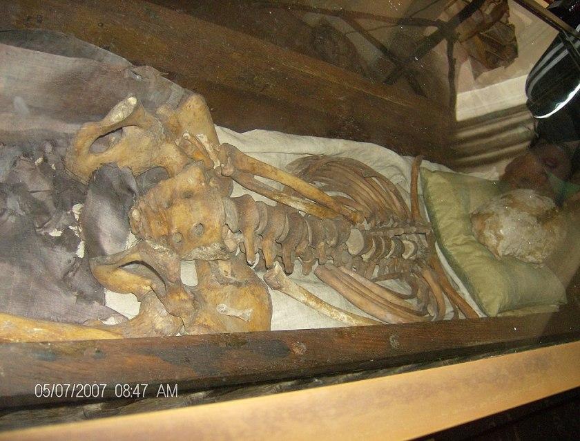 st canute's bones
