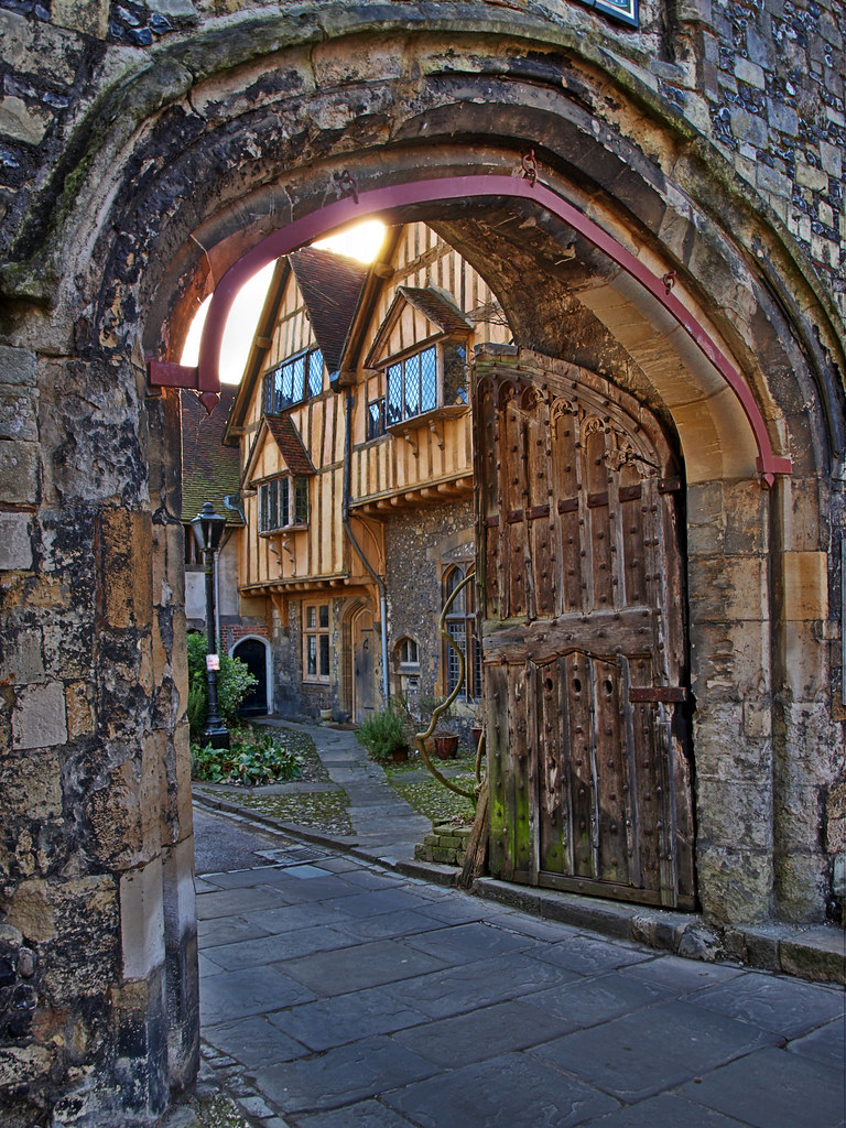 st swithins gate winchester cathedral