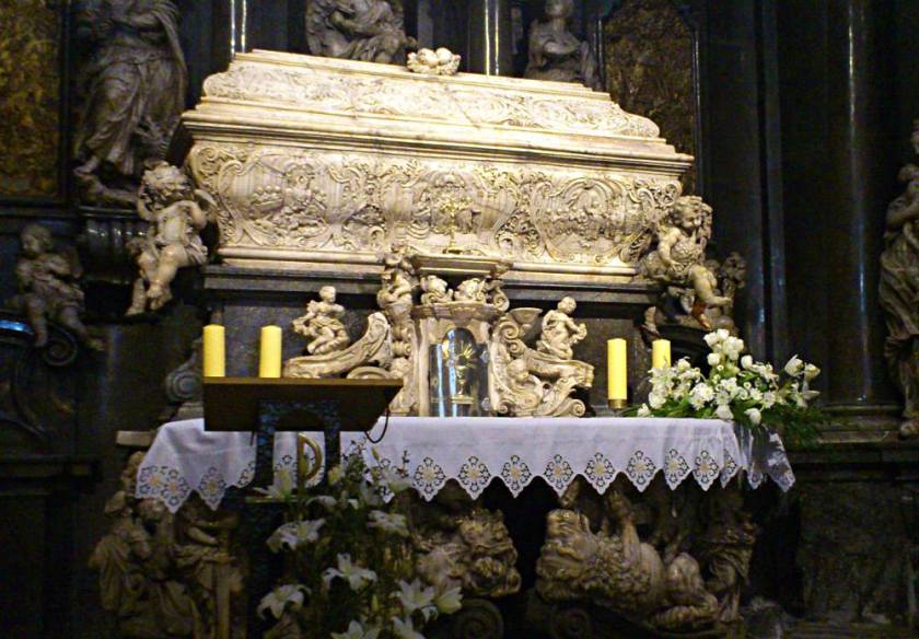 tomb of bl ceslaus warsaw 2