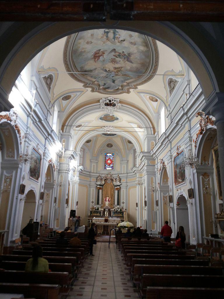 Interno_della_chiesa_di_Santa_Maria_di_Gesù_(Alcamo)_002
